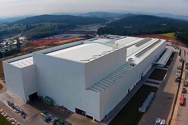 Tăng năng suất nhà máy sản xuất với động cơ điện Weg