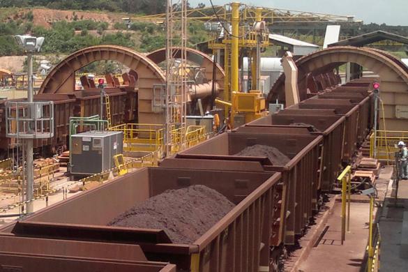 Máy làm đường sắt